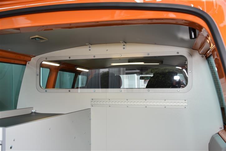 volkswagen transporter t5 t6 walter b senberg gmbh. Black Bedroom Furniture Sets. Home Design Ideas