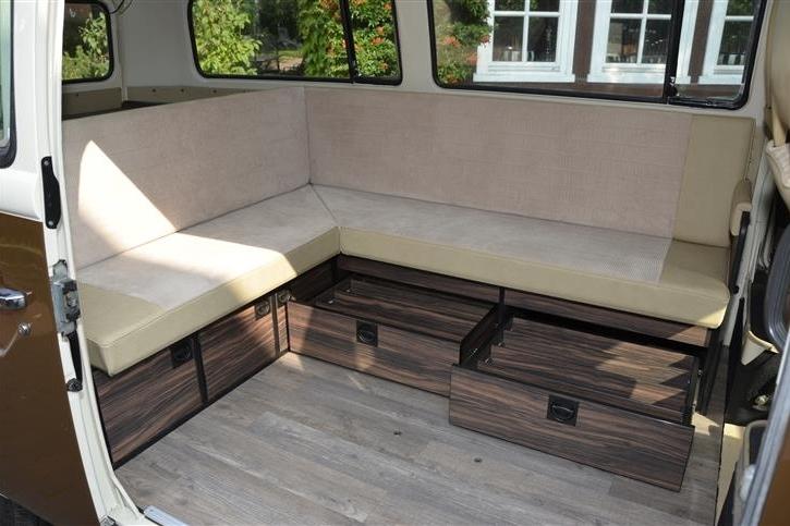 oldtimer als promotionfahrzeuge walter b senberg gmbh fahrzeugeinrichtungen. Black Bedroom Furniture Sets. Home Design Ideas